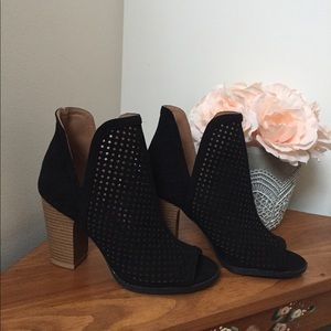 Black Qupid Bootie